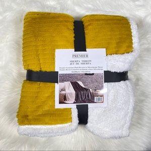 ⭐️SALE⭐️Mustard Striped Micromink Sherpa